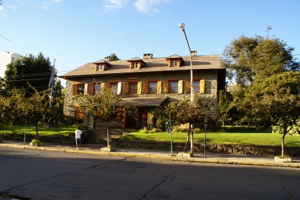 A Histroical Building In Bariloche 3-26-2011.jpg