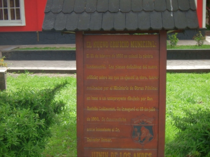 A Sign Seen In Junin de los Andes 11-2014.JPG